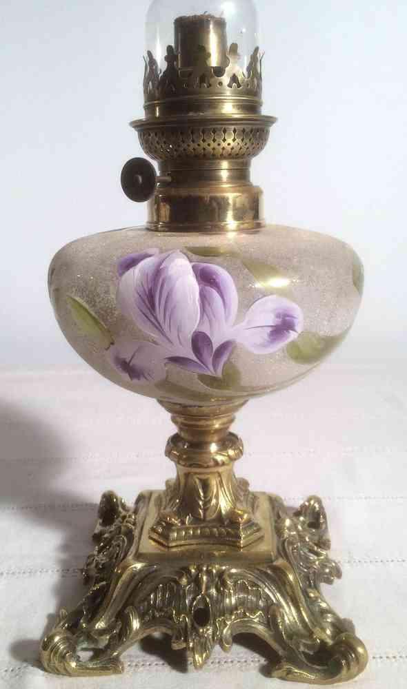 Des lampes anciennes pour une d coration originale les lampes p trole deco fun - Lampes de salon anciennes ...